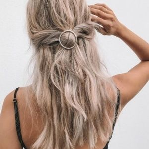 Urban Outfitters Mini Margot Hair Pin - Silver